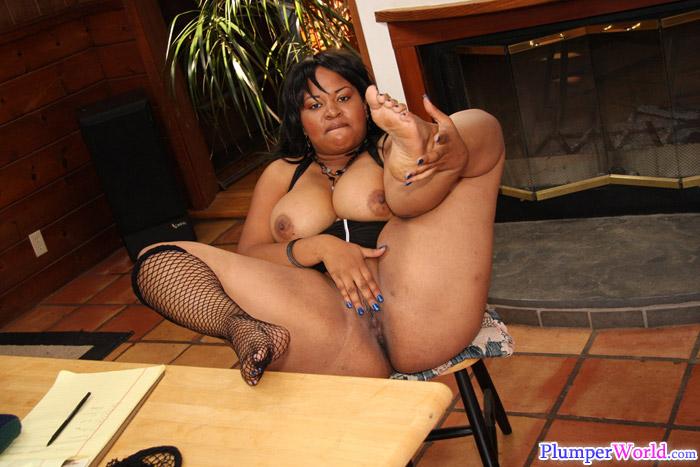 Erotic submissive plumpers